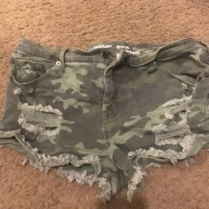 Camouflage jean shorts